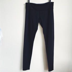 Lululemon black yoga workout pants size 10